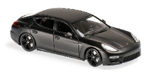 Maxichamps Porsche Panamera Turbo Grijs Metallic 2013 1:43
