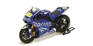 Minichamps Yamaha YZR-M1 Moto GP V.Rossi 1:12